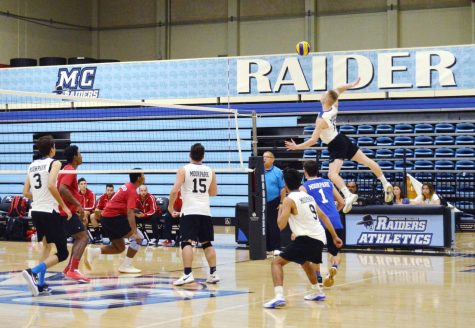 Men's volleyball can't seal the deal