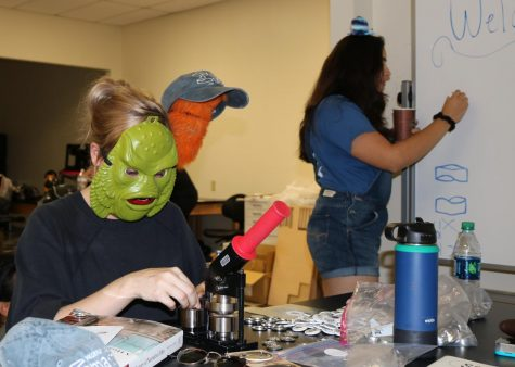 MakerSpace holds workshops to allow students to share their creativity