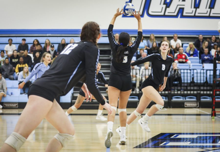 Setter+Lea+Raha+sets+the+ball+towards+the+outside+during+Moorpark%27s+matchup+with+Pasadena+City+College+on+Tuesday%2C+Nov.+26.+Photo+credit%3A+Evan+Reinhardt