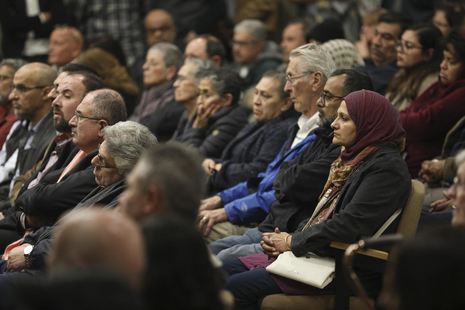 Crowds of Simi Valley residents pack the council chamber of Simi Valley City Hall during the council meeting on Monday, Feb. 10. Many people attended in order to either support or oppose item 4A, an item addressing the expansion of a local mosque. Photo credit: Ryan Bough