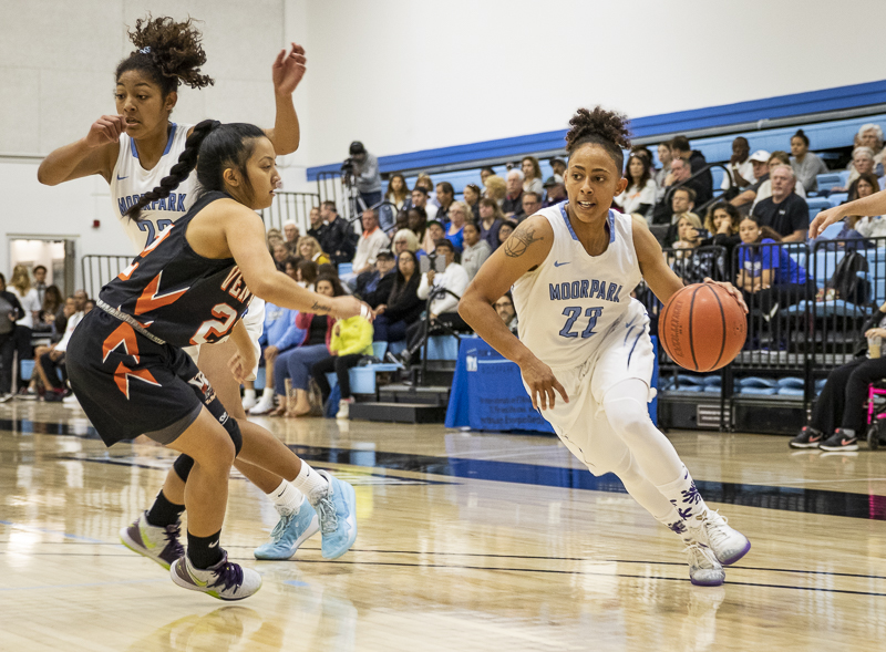 Sophomore Bree Calhoun drives toward the hoop during the Raiders's conference final against Ventura College on Saturday, Feb. 15. The home game ended with a Moorpark win, 69-54. Photo credit: Evan Reinhardt