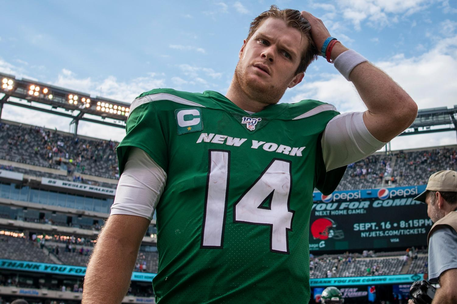 09/08/19 New York Jets quarterback Sam Darnold (14) walks off the field after a NFL game against the Buffalo Bills in East Rutherford, NJ.  (Corey Sipkin/Freelance).