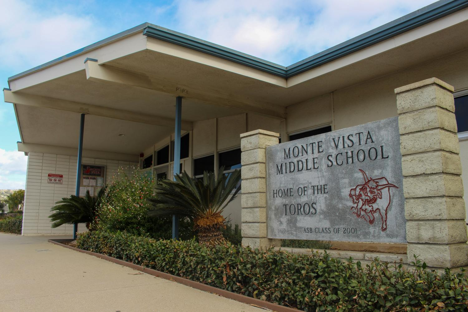 Monte Vista Middle School in Camarillo, Calif. is now open with a modified schedule on Friday, Dec. 11, due to COVID-19 precautions in California. Photo credit: Leslie Mendez