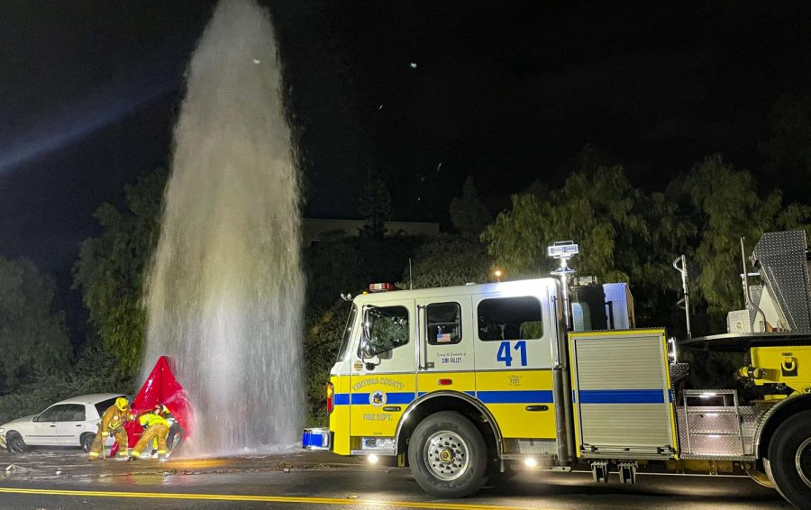 Ventura+County+Fire+Department+Station+41+attempting+to+shut+off+the+water+after+a+car+runs+over+a+fire+hydrant+in+Simi+Valley%2C+CA.+on+Jan.+29%2C+2021.+Photo+credit%3A+Amber+Urban