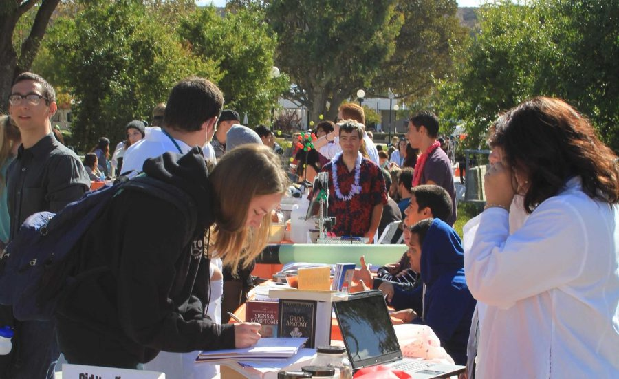 File photo of the Moorpark College club rush event in January 2014.