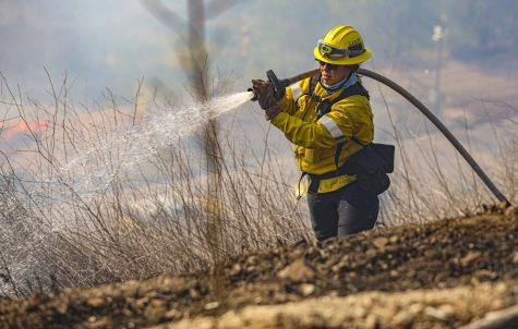 Country Fire fully contained after burning 28 acres north of Westlake High School
