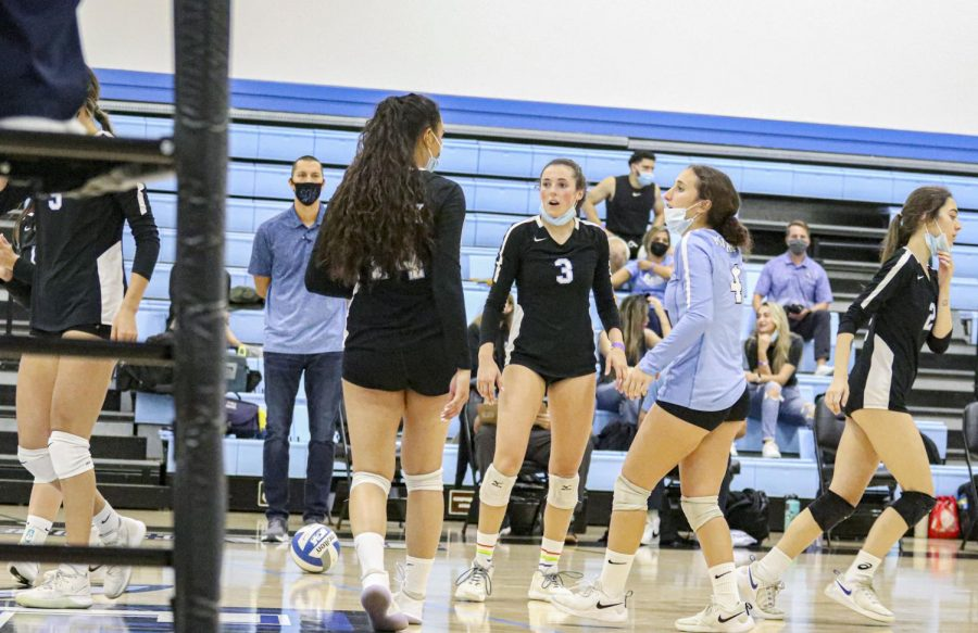 Moorpark sophomore Halle Perkins communicates with her teammates on Wednesday, Sept. 29, in Moorpark, CA. during the home game against Ventura College. Photo credit: Jack Newman