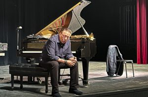 Arturo Sandoval answers questions from the audience during his master class at Moorpark College on Oct. 15, 2021.